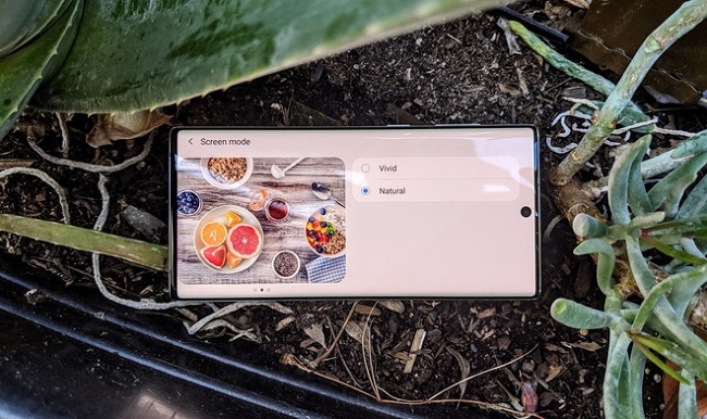 Đánh giá màn hình Galaxy Note 10: Đẹp nhưng không phải là tốt nhất!