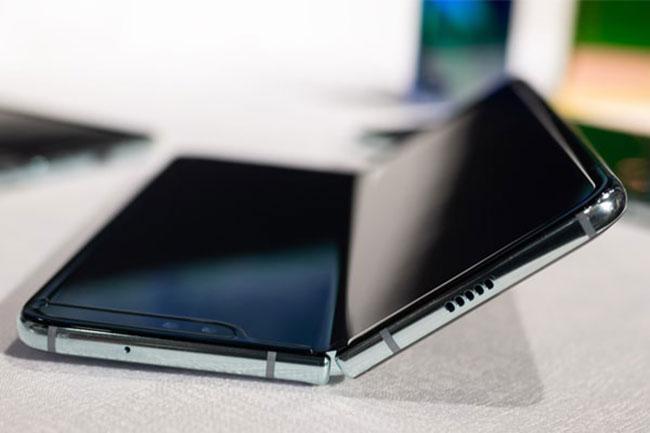 Địa chỉ mua miếng dán full màn hình Samsung Galaxy Fold chất lượng giá rẻ ở đâu tại TPHCM, Hà Nội